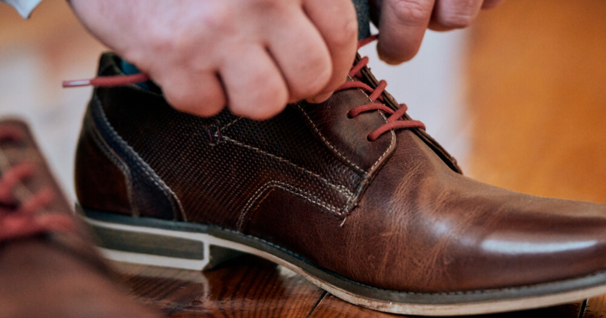 prevent athletes foot from coming back by wearing shoes that fit your feet well