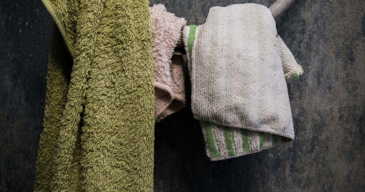 Washing towels often is a good method of ringworm prevention