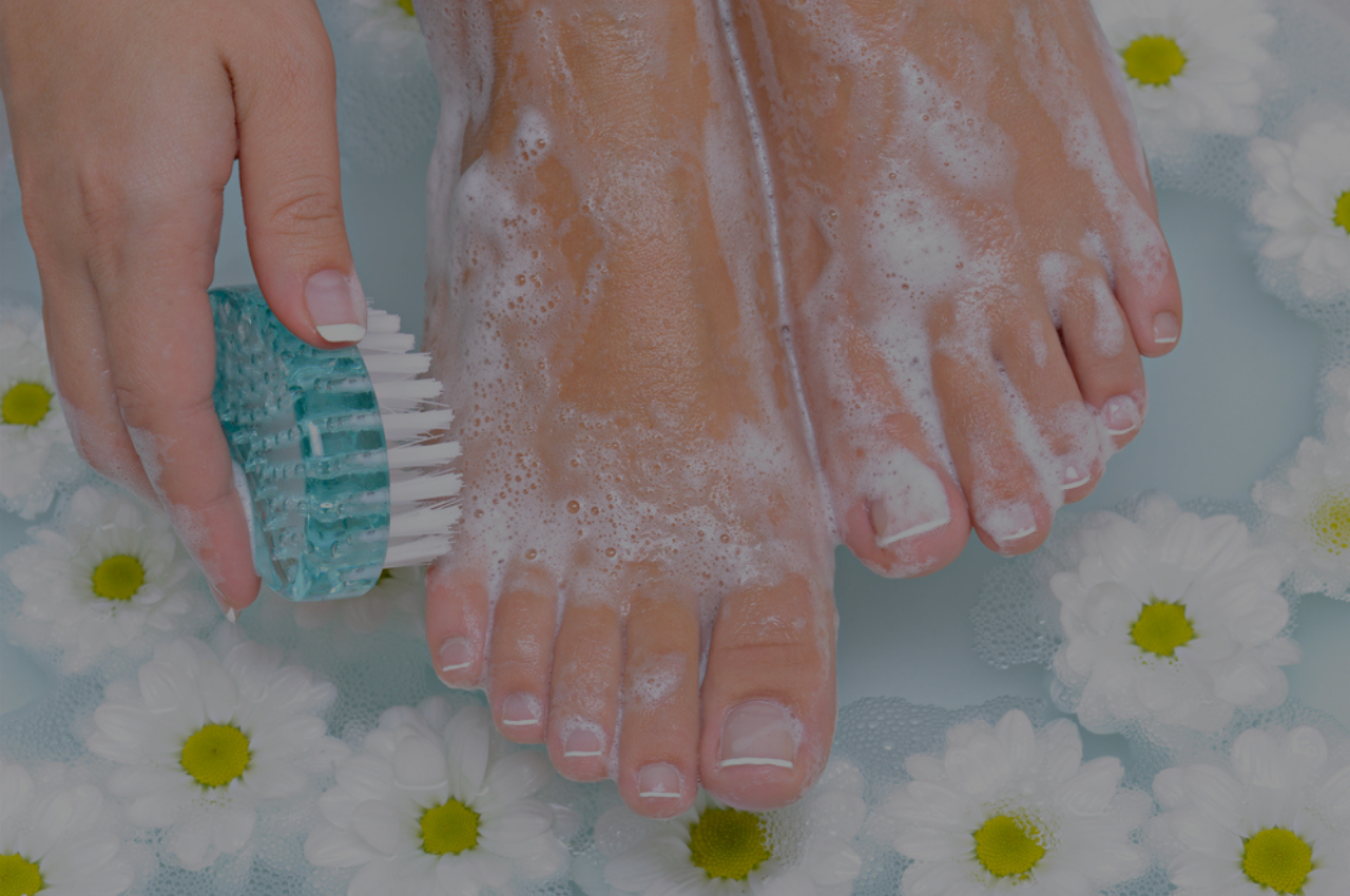 washing feet for athletes foot prevention